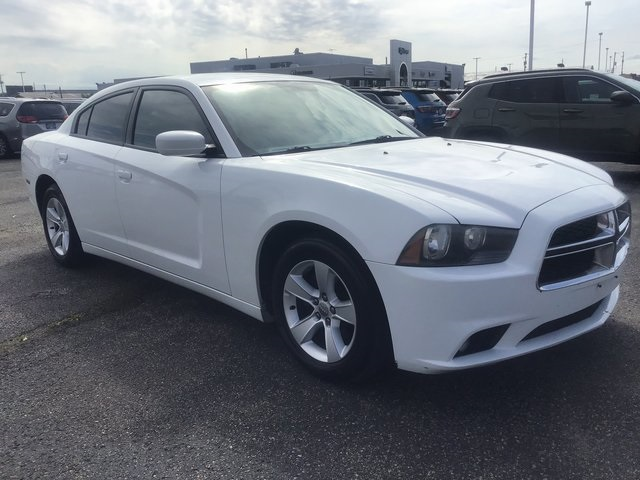 Pre-Owned 2012 Dodge Charger SXT