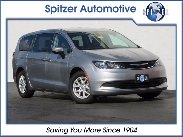 Pre-Owned 2018 Chrysler Pacifica LX